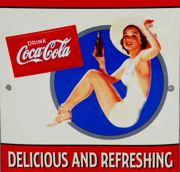 drink-Coca-cola-pin-up